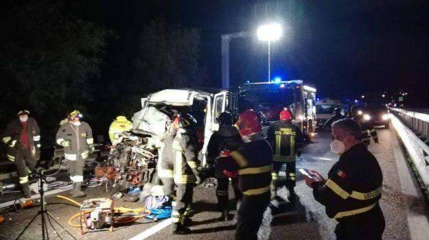 autostrada, casteldaccia, incidente, Palermo, Cronaca