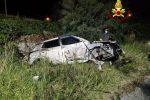Incidente sulla Palermo-Messina, auto precipita dal viadotto dopo un violento scontro: un ferito