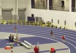 Indietro di 25 metri recupera tutte le avversarie nell'ultima frazione della staffetta: la rimonta è straordinaria  La protagonista è Ziyah Holmes, atleta dell' Università del Michigan - Dalla Rete
