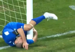Israele, salva il gol ma sbatte contro il palo Lo spirito di sacrificio porta anche a questi interventi - Dalla Rete