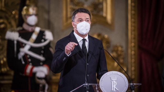 governo, reddito di cittadinanza, Giuseppe Conte, Matteo Renzi, Roberto Fico, Sicilia, Politica