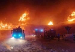 Passo del Rombo: le fiamme distruggono il museo delle moto d'epoca più alto d'Europa Verso le 4 del mattino è scoppiato un incendio nella futuristica struttura polifunzionale Top Mountain Crosspoint, inaugurata 5 anni fa - Dalla Rete
