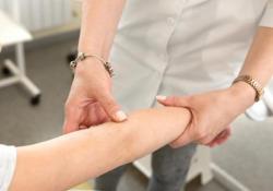 Pelle al centro. La gestione delle malattie dermatologiche in epoca Covid  Chi ne soffre ha bisogno ha bisogno di continuità assistenziale  - Corriere Tv