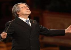 Riccardo Muti dirige il concerto di Capodanno da Vienna in una sala deserta Il Maestro e Wiener Philharmoniker si sono esibiti senza pubblico a causa del Covid - Ansa