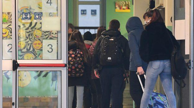 coronavirus, scuola, zona arancione, zona rossa, Roberto Lagalla, Sicilia, Cronaca