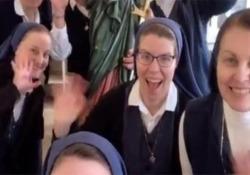 Un gruppo di suore conquista TikTok: «Vogliamo portare Gesù nel mondo» Il video più recente ha già totalizzato oltre 1,5 milioni di visualizzazioni in pochi giorni - CorriereTV