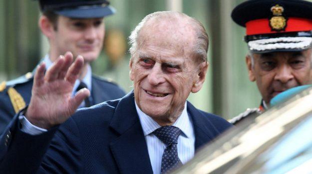 Gran Bretagna, principe Filippo, Sicilia, Mondo