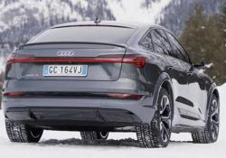 La Audi e-tron S: sportività a zero emissioni E' la declinazione prestazionale del suv elettrico. Tre motori elettrici, la riformulazione della trazione «quattro». E un prezzo che parte da 100mila euro  - CorriereTV