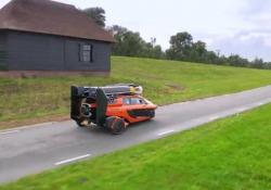 Pal-V Liberty: il veicolo terra aria olandese Su strada è un tre ruote, in volo viaggia fino a 160 km orari e ha 500 km di autonomia  - Corriere Tv