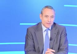 Poste, l'ad Del Fante: 2020 record con 210 milioni di pacchi e risparmio postale I numeri delle Poste italiane - Corriere Tv