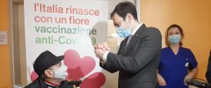 """Vaccinazioni per gli over 80 in Sicilia, Razza: """"Giornata significativa ma bisogna fare presto"""""""