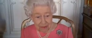 """Vaccino anti Covid, in un video su Instagram l'appello della Regina: """"Farlo è un dovere"""""""
