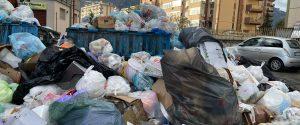 """Palermo piena di rifiuti, Orlando ai sindacati: """"Revocate lo stato d'agitazione"""""""