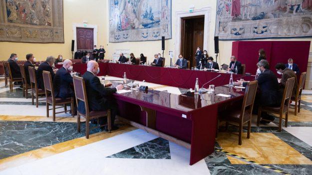 governo, Italia Viva, Quirinale, reddito di cittadinanza, Giuseppe Conte, Matteo Renzi, Roberto Fico, Sicilia, Politica