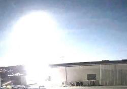 Una meteora illumina la notte di Melbourne (in lockdown) Numerosi i video e le foto del fenomeno sono stati pubblicati sui social - CorriereTV