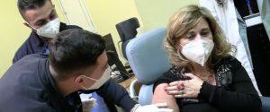 Scuola, in Sicilia si sbloccano i vaccini per i docenti sotto i 55 anni: ecco come prenotare