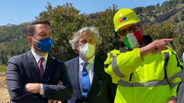 infrastrutture, Agrigento, Caltanissetta, Politica
