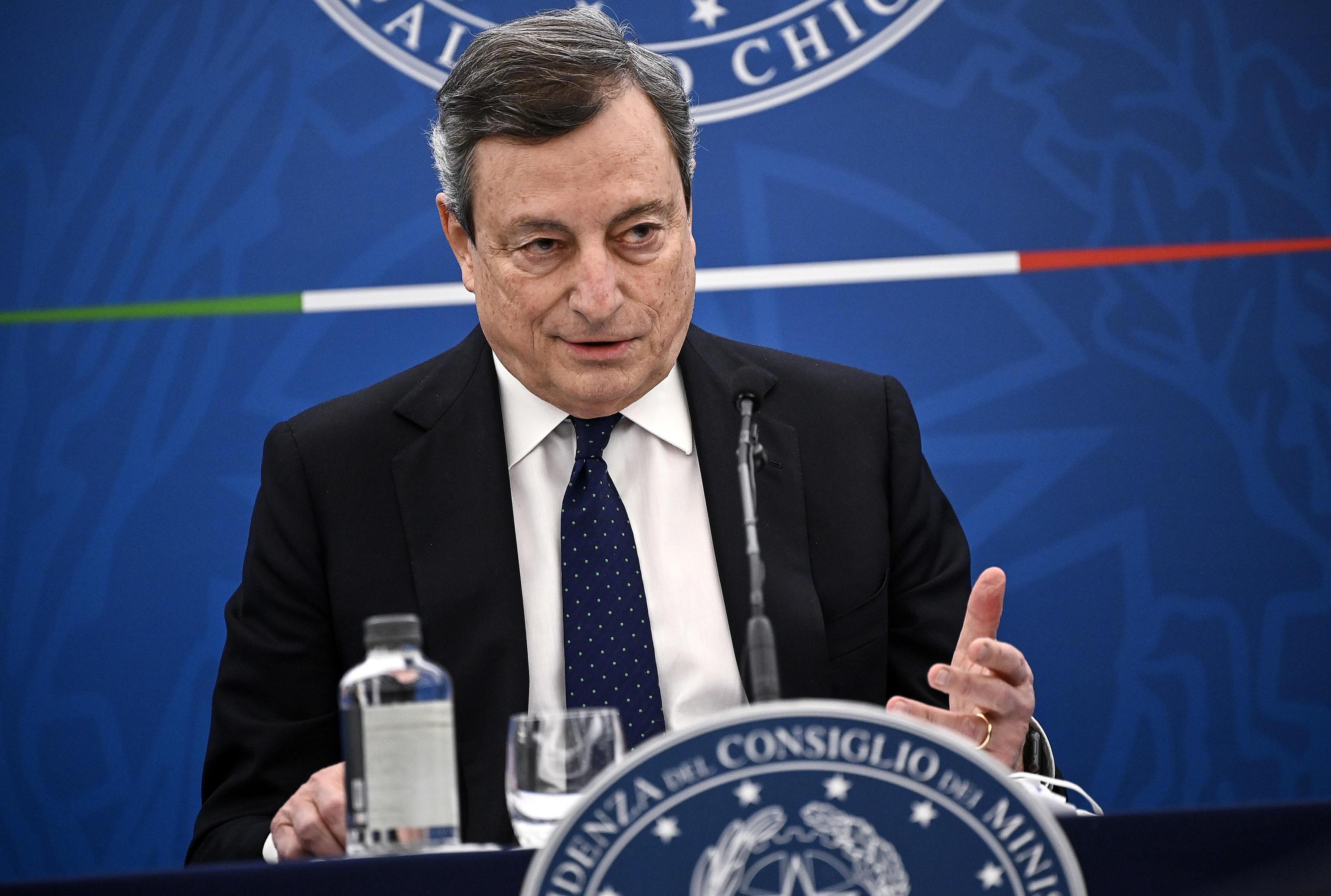 Scuola, terza dose e Green pass: la conferenza stampa di Draghi - Diretta -  Giornale di Sicilia