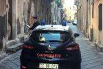 Spaccio di droga a gestione familiare: 4 arresti a Catania, indagini dopo una morte per overdose
