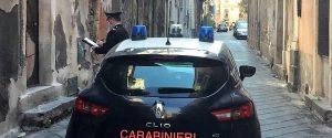 Incendi, appicca fuoco a rifiuti e scappa: pastore 69enne arrestato a Paternò
