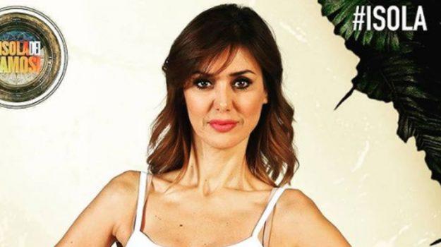 televisione, Daniela Martani, Sicilia, Società