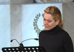 Dantedì, Monica Guerritore dà voce al Sommo Poeta nella basilica di Santa Croce L'evento in occasione della presentazione del restauro del cenotafio del poeta - Ansa