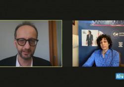 Ermal Meta: «Io favorito? Sì ma a Sanremo ci sono sempre colpi di scena...» L'intervista al cantante dato per favorito dai bookmaker - Corriere Tv