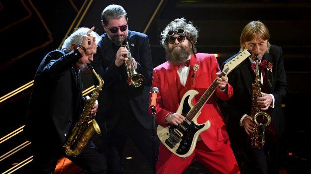 A Sanremo il liscio, jazz e rock degli Extraliscio thumbnail
