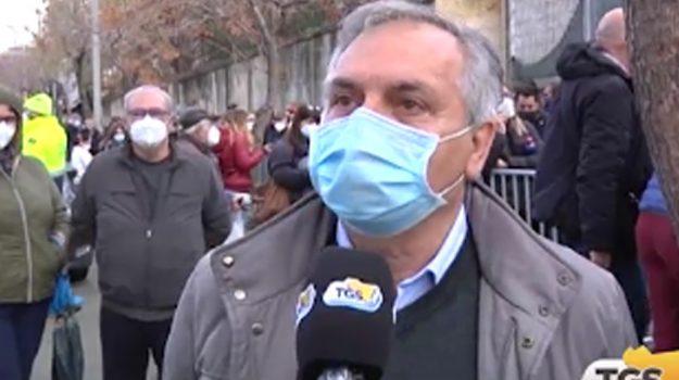 In coda per il vaccino anti Coronavirus, migliora la situazione alla fiera di Palermo thumbnail