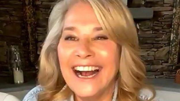 Case a 1 euro, la star di Hollywood Lorraine Bracco racconta in tv la sua vita a Sambuca