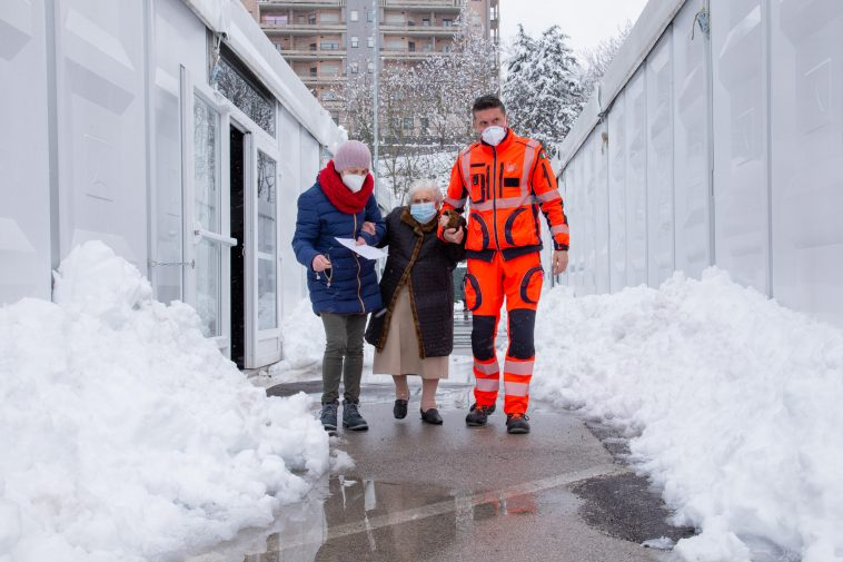 A Potenza i 20 cm di neve non hanno fermato le vaccinazioni