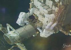 Passeggiata nello spazio per gli astronauti della Stazione spaziale internazionale Hanno installato i telai di supporto per i nuovi pannelli solari in arrivo a breve - LaPresse/AP