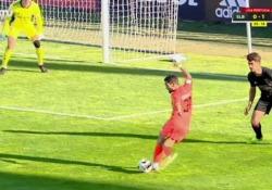 Portogallo, segna con una rabona nel sette Il gol realizzato da Joca, calciatore del Leixoes, squadra della seconda divisione portoghese - Dalla Rete