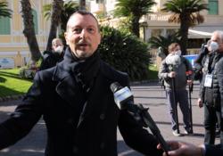 Sanremo, Amadeus: «Avremo degli applausi finti ma immagineremo che siano del pubblico a casa» Il conduttore svela le ultime novità delle serate del Festival: «Finiremo all'1,30-2 di notte» - Corriere TV