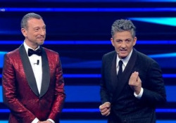 Sanremo, Fiorello: «Ho fatto due battutine su Zingaretti e lui si è dimesso» Il comico siciliano ironizza sulla decisione del segretario del Pd di lasciare il suo incarico - Ansa