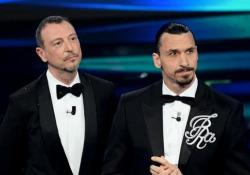 Sanremo, Ibrahimovic detta le regole del suo festival: «Il direttore è Zlatan» Il campione del Milan sul palco dell'Ariston - Ansa