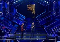 Sanremo, il racconto di Ibrahimovic: «Bloccato in autostrada ho chiesto un passaggio a un motociclista» L'attaccante svedese spiega il perché del suo ritardo e mostra il video della sua corsa all'Ariston - Ansa