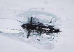 Tre sottomarini nucleari russi emergono dal ghiaccio artico simultaneamente. La marina: «È la prima volta» I sottomarini russi a propulsione nucleare sono emersi simultaneamente da sotto il ghiaccio a una distanza massima di 300 metri l'uno dall'altro - CorriereTV