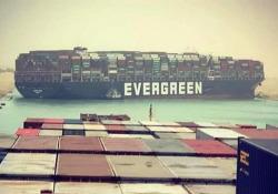 Una nave portacontainer ha bloccato il Canale di Suez in entrambe le direzioni La nave cargo «MV Ever Given» si è arenata nella notte: bloccata una delle rotte commerciali più trafficate del mondo - CorriereTV