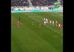 Uzbekistan, segna con una punizione nel sette da fuori area Doniyor Ismoilovdan è stato il protagonista della partita tra il suo Andijon e il Surxon, nel campionato uzbeko - Dalla Rete