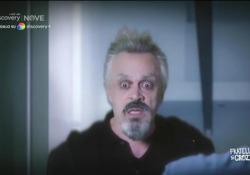 Crozza per la prima volta è Miguel Bosè: «Son diventato negazionista perché ho smesso con la droga» Il comico in «Fratelli di Crozza», in onda tutti i venerdì in prima serata su NOVE  - Corriere Tv