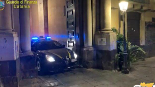 Spaccio di droga, confisca di beni e bar sequestrato a Catania thumbnail