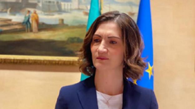 Riaperture, Mariastella Gelmini, Sicilia, Politica