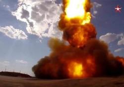 Russia, ecco il nuovo razzo di Putin che distrugge i missili spaziali Le Forze spaziali russe hanno detto di aver testato «con successo» il sistema di difesa anti-missile balistico (ABM) presso il sito di Sary Shagan in Kazakistan - CorriereTV