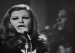 Milva canta «Bella Ciao» La cantante, , interpreta a versione originale del brano nato come canto delle mondine - Corriere Tv