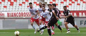 Floriano realizza dal dischetto il gol dell'1-0 (foto palermofc.com)