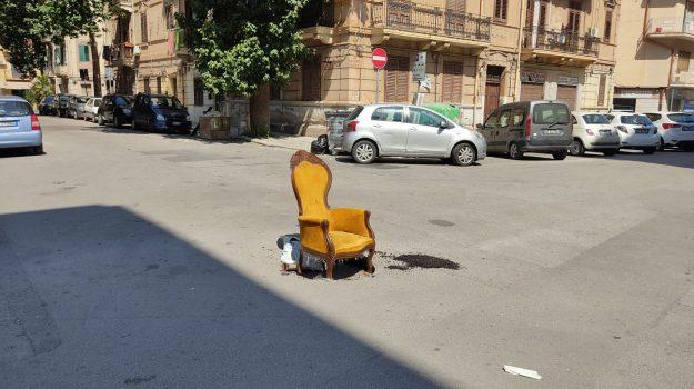 buche, rifiuti, Palermo, Cronaca