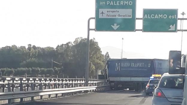 Incidenti, Palermo, Trapani, Cronaca