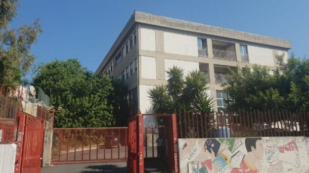 scuola, Catania, Società