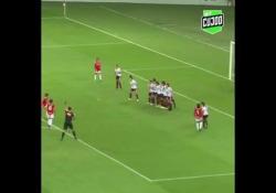 Brasile, la punizione è «alla Maradona» La posizione e il contesto sono diversi, ma la difficoltà del tiro con la barriera ravvicinata è la stessa - Dalla Rete